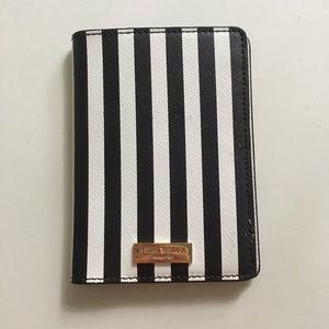 Henri Bendel Passport Cover/Wallet